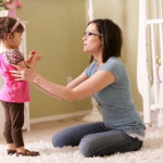 Mẹ đơn thân dạy con coi bố như kẻ thù