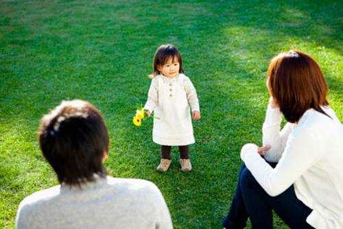 Ý định bỏ con chỉ là lúc đầu thôi, nhưng rồi nghĩ lại đứa bé không tội tình gì, bố nó cũng đâu có hắt hủi nó...
