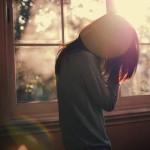Nên tiếp tục chờ đợi hay quên người đó đi dù rất yêu ?