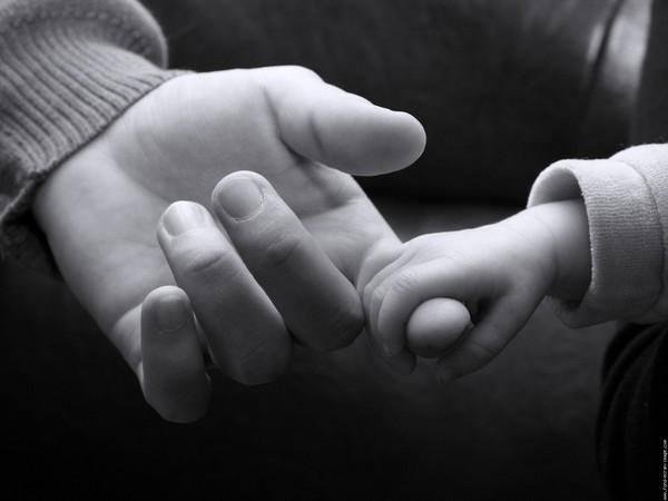 Con gái yêu, hãy hứa là mãi bên mẹ con nhé