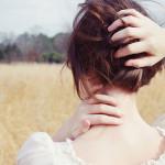 Phụ nữ nhẫn nhịn thì đàn ông giở mặt, bất cần thì si mê