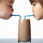 Các mẹ nên lưu ý những gì khi mua sữa cho trẻ