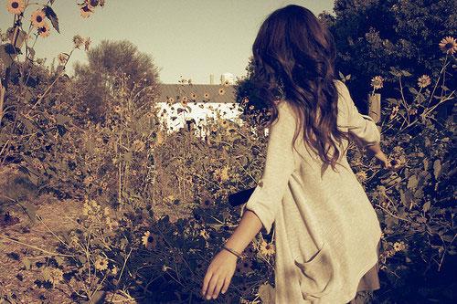 Em đừng đổ lỗi cho bản thân không tốt. Em phải tự yêu lấy mình…