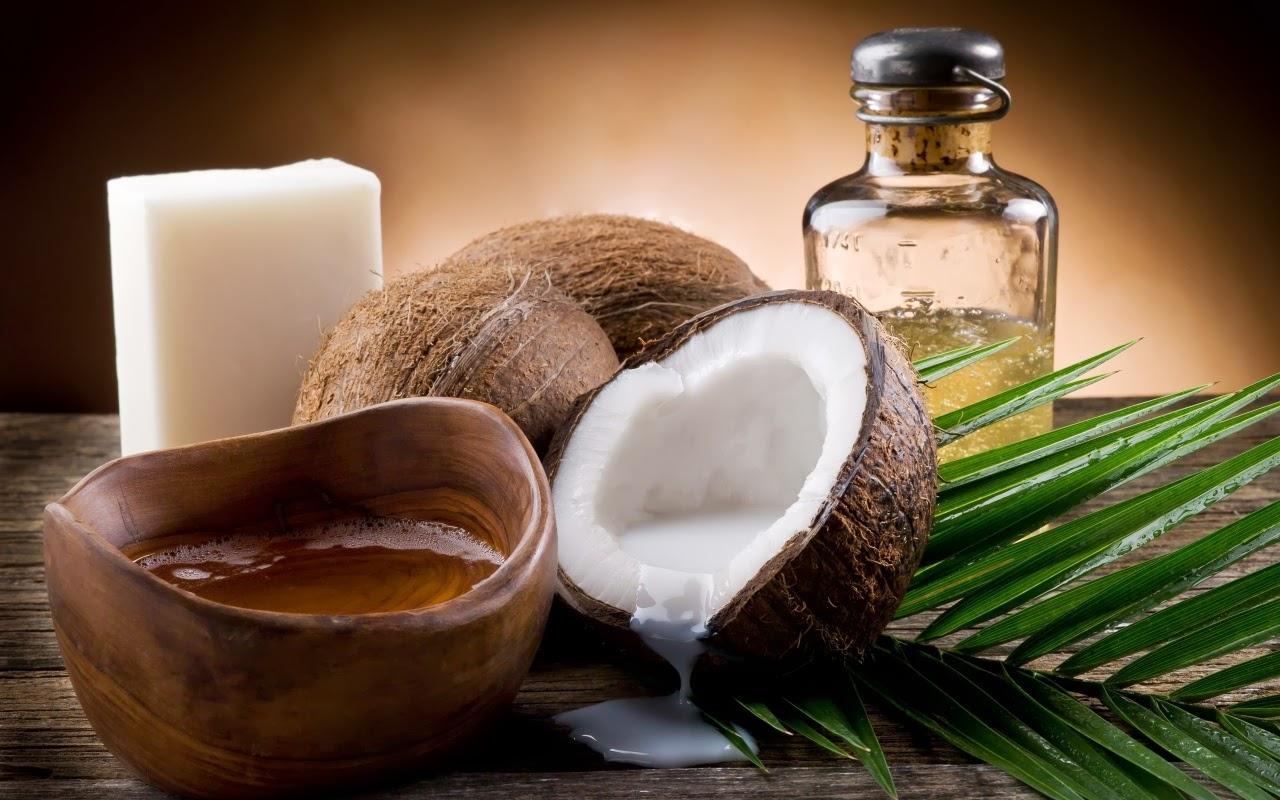 Trọn gói bí quyết làm đẹp sau sinh với dầu dừa cho mẹ