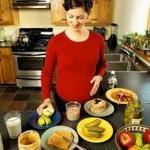 Nguyên tắc dinh dưỡng cho bà bầu: Đỏ, vàng, xanh