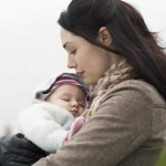 Nỗi lòng mẹ đơn thân phải bán con để trả nợ