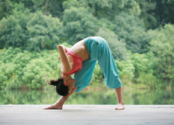 Các bài tập yoga cơ bản giảm mỡ bụng nhanh chóng