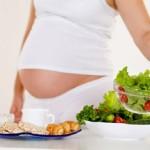 Phụ nữ mang thai không nên ăn gì?