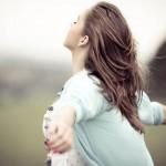 Muốn được tôn trọng phải tôn trọng chính mình, muốn được yêu phải trở thành người đáng yêu…