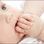 Những rắc rối khi nuôi con bằng sữa mẹ