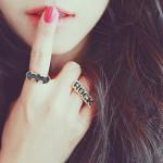 Với phụ nữ, im lặng cũng là một thứ trang sức