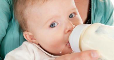 7 điều cần nhớ khi pha sữa cho bé