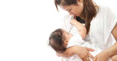 Cho trẻ bú sữa mẹ đúng cách và thời gian cai sữa cho bé tốt nhất