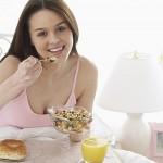 Phụ nữ mang thai tháng đầu tiên nên ăn gì tốt nhất?