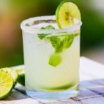 9 đồ uống trị chóng mặt buồn nôn cho mẹ bầu bị nghén