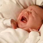 Trẻ sơ sinh quấy đêm do buổi tối mẹ ăn những thực phẩm sau