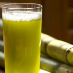 Bà bầu nên ăn gì : Bà bầu có nên uống nước mía nhiều hay không?