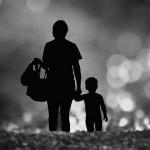 Làm mẹ đơn thân là lựa chọn khó khăn