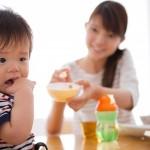 Ép bé ăn là điều nên tránh trong thực hành ăn dặm