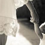 Nhọc nhằn làm mẹ đơn thân