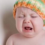 Nên hay không nên để trẻ sơ sinh khóc nhiều