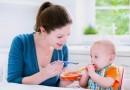 10 thực phẩm không nên cho trẻ dưới 1 tuổi ăn