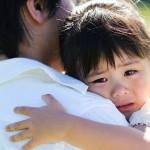 """Dạy trẻ cách ôm để bảo vệ con trước vấn nạn """"lạm dụng tình dục"""" trẻ nhỏ"""