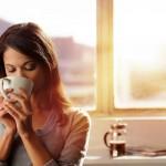 Mang thai uống trà xanh có tốt hay không?