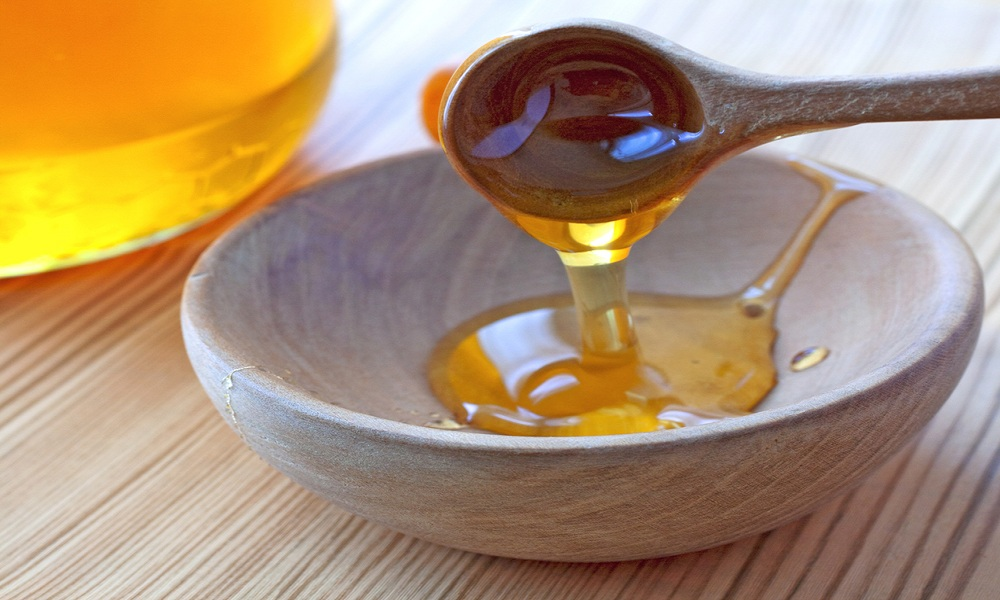 Công thức làm nghệ ngâm mật ong cho phụ nữ sau sinh