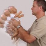 Rung lắc trẻ nhỏ có thể dẫn đến hậu quả nghiêm trọng