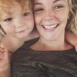 Làm mẹ đơn thân: 'Hãy cho mình quyền được khóc'