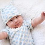 Những lưu ý cần thiết chăm sóc trẻ sơ sinh mùa hè