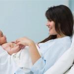 Những điều cần lưu ý cho phụ nữ sau sinh vào mùa hè