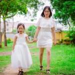 Con gái của mẹ hãy mạnh mẽ bước vào cuộc đời con nhé