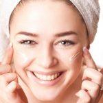 Những mẹo hay giúp mẹ chăm sóc da mặt sau sinh hiệu quả