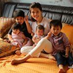 Cuộc sống bận rộn với 4 nhóc tỳ của bà mẹ đơn thân Oanh Yến