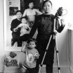 Bộ ảnh bà mẹ đơn thân Đài Loan đang lan truyền trên MXH: Mỗi bức ảnh của hiện tại bao gồm cả những năm tháng trưởng thành của con