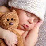 Top đồ chơi cho trẻ sơ sinh an toàn bố mẹ nên mua