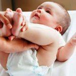 Phấn rôm cho bé loại nào tốt và đảm bảo an toàn nhất?