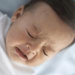 Mách mẹ cách xử lý khi trẻ sơ sinh bị nghẹt mũi