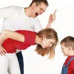 LÀM GÌ KHI BÉ KHÔNG NGHE LỜI: 4 bước cụ thể giúp mẹ cử lí tình huống