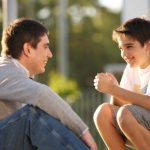 Nuôi dạy con tuổi dậy thì: 5 nguyên tắc vàng mẹ thực sự cần biết