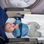 Những lưu ý khi trẻ sơ sinh đi máy bay